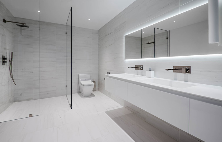 Newly constructed designer bathrooms in des moines iowa for Bagni designer