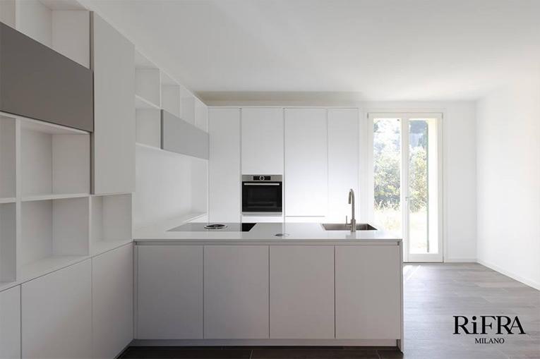 Wohnung in Italien mit einer küche RiFRA Milan | Design Bath ...